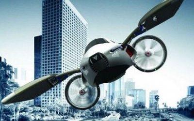 Macchina volante su città